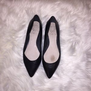 Vince Camuto Black Leather Flats | Size 7.5